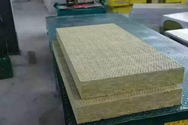 成都岩棉板保温厂家